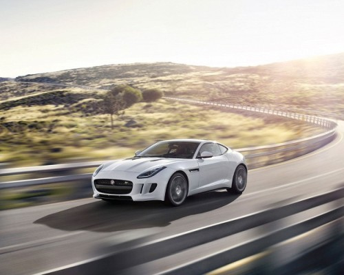 Новая версия купе Jaguar F-Type