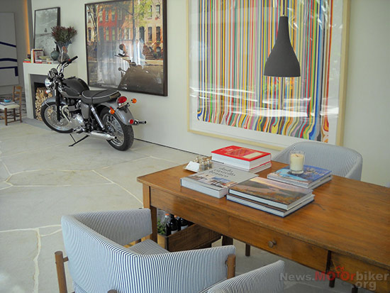 Motorcycle-as-House-Decoration-09
